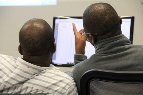 Delegates learn to use Scorpio spectrum monitoring software